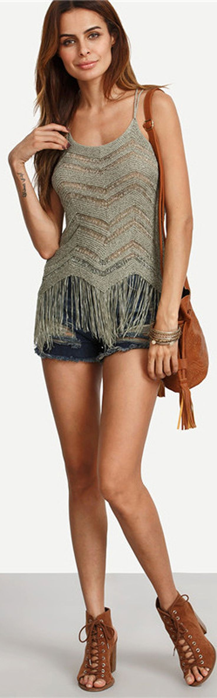 Bohemian Boho Summer Outfit Ideas for Teen Girls Cute Crotchet Spaghetti Top Tassels with Jean Shorts -  ideas lindas del equipo del verano para las muchachas adolescentes - www.GlamantiBeauty.com