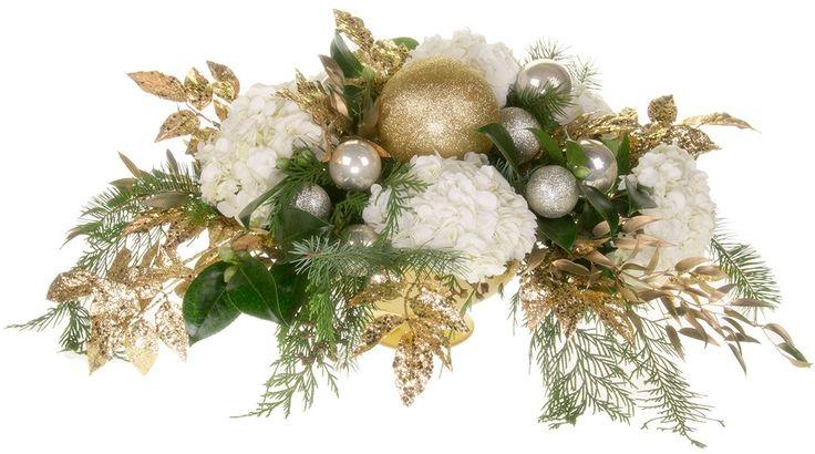 Christmas Flowers - Photo Courtesy Leanne and David Kesler, Floral Design Institute, Inc., in Portland, Oregon