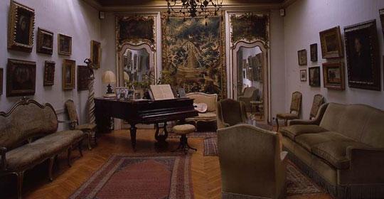 Pianoforte a coda Erard  post 1855, Museo Pietro Canonica, Villa Borghese, Roma, Sala della musica