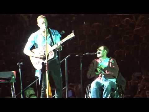 Chris Martin performs a song about Dublin with a fan! | Croke Park 2017 - YouTube