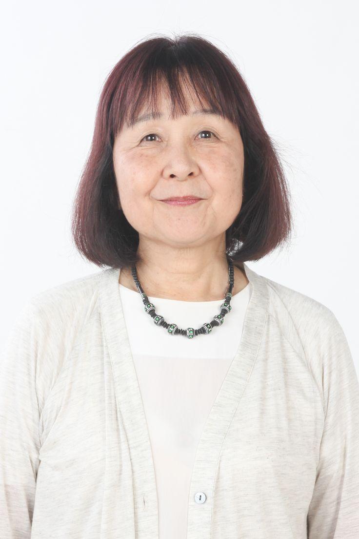 ゲスト◇代居真知子(Machiko Yosue)女子栄養大学栄養学部卒業後、執筆家に。幅広い執筆活動の後、現在は福祉全般、特に介護関係を中心に執筆。現場取材を重視し、専門職から利用者までさまざまな立場の声を聞き続けている。また、その取材でえた声を福祉関係者、家族介護をする人、自分たちの老後を考える人に発信。これからの超高齢社会での家族介護や、高齢生活をこなしていくための知識、考え方も提案している。