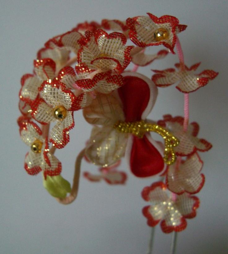 Girl's kanzashi hair ornament, traditional Japanese hair accessory, flower girl hair pin. $12.00, via Etsy.