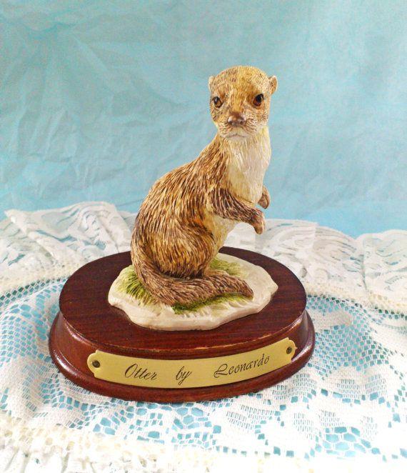 Vintage Otter by Leonardo