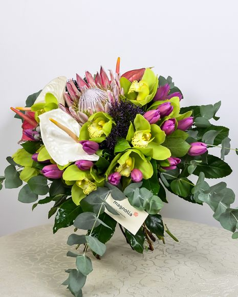 Buchet cu flori exotice colorate