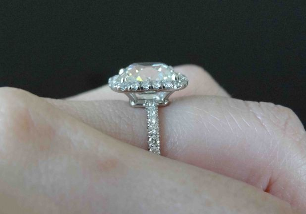 cushion-halo-diamond-ring-kristydarling-1.jpg 618×432 pixels  side view of setting
