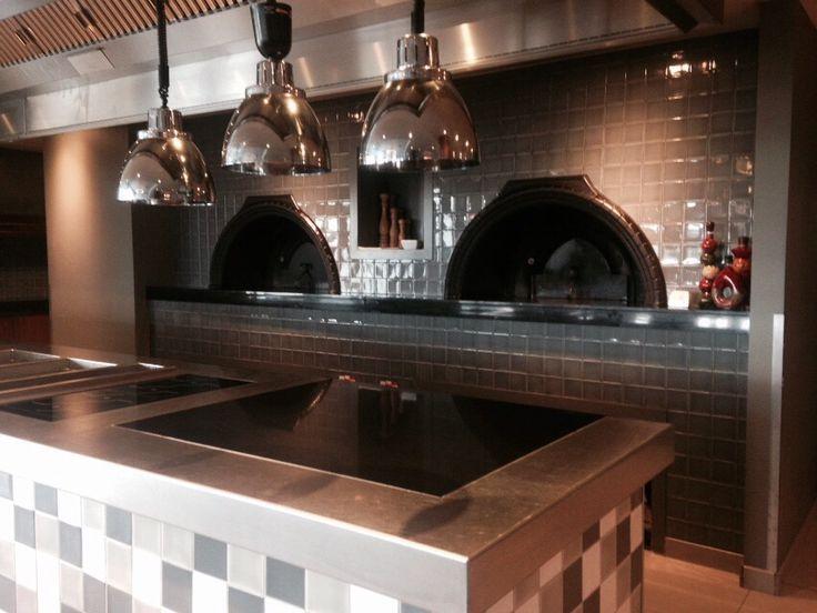 2 van onze steenovens naast elkaar bij Hotel/Restaurant van der Valk in Stein Urmond