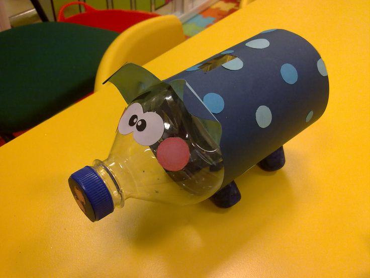 Manualidades+Con+Botellas+De+Plastico   Hucha con botella de plástico   Manualidades para niños