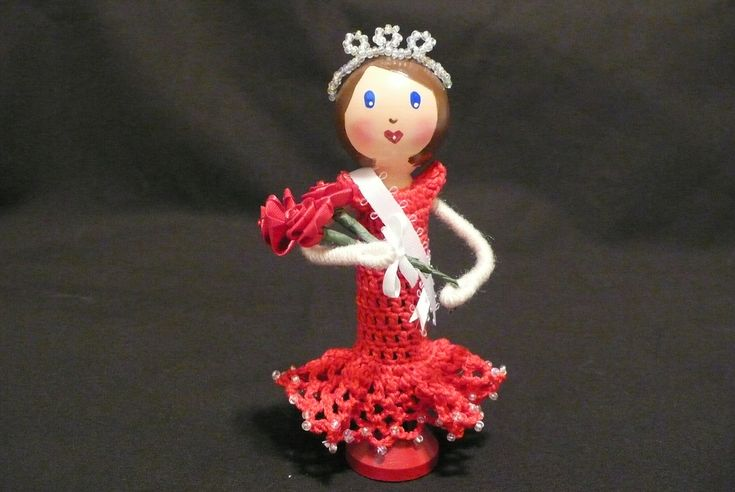 Miss America Amy - Miss Pageant Queen Clothespin Doll...New dress design for our little Darling Dollies clothespin dolls.  | Flickr - Photo Sharing!