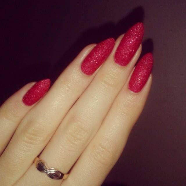 Smalto Avon Stardust per unghie effetto metallico    - Cherry Dazzler.    Ancora valida l'offerta a solo 3,95€ che puoi aderire come campagna precedente. (scopri tutte le altre tonalità all'interno del catalogo)