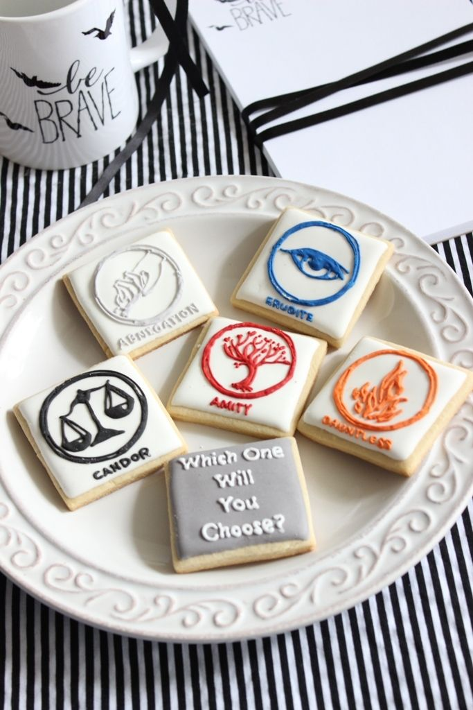 Santa Claus is Divergent. Decorate faction inspired cookies this Holiday season.
