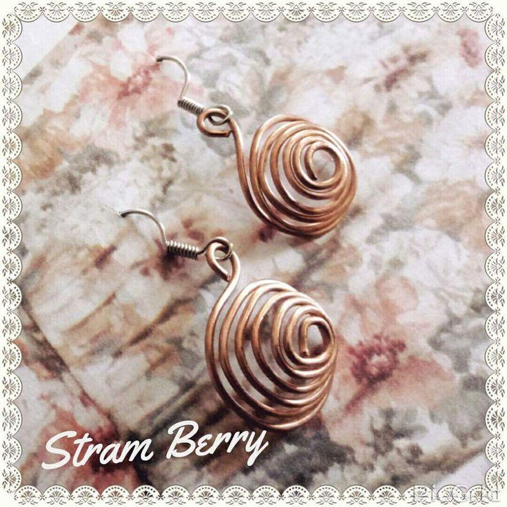 Orecchini eleganti e minimal a spirale in rame : Orecchini di stram-berry