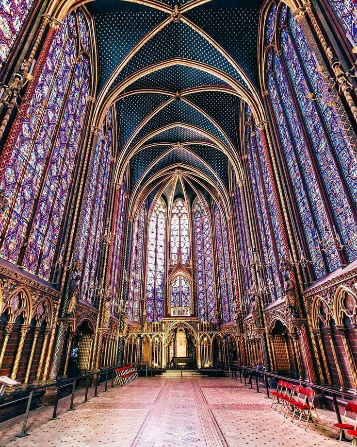Saint-Chapelle de Paris has 600 metres of stained glass windows depicting 1,300 biblical figures :: image by Marc Nouss via Culture Trip