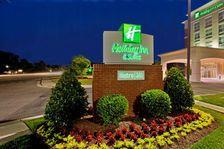 Williamsburg Hotels: Holiday Inn Hotel & Suites Williamsburg-Historic Gateway Hotel in Williamsburg, Virginia