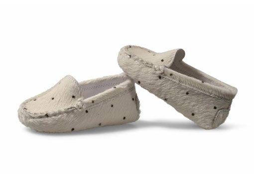Mini mocasines con topitos, de Tod's (150 euros). - Álbumes - telva.com