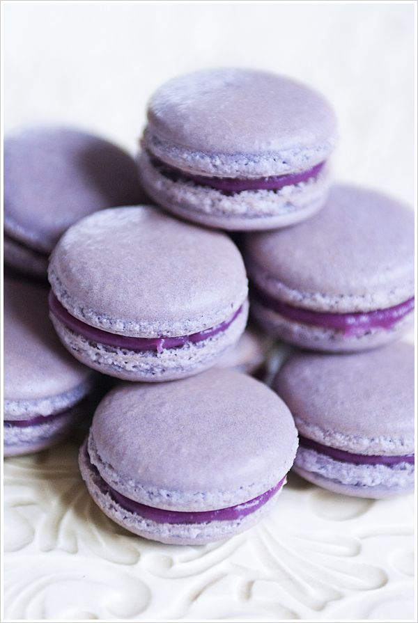 Macarons with blackcurrant (recipe in Swedish)
