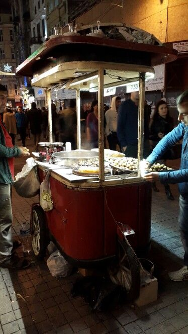 Street Food Istanbul - grilled chestnuts - beautifully branded and organized carts for street vendors