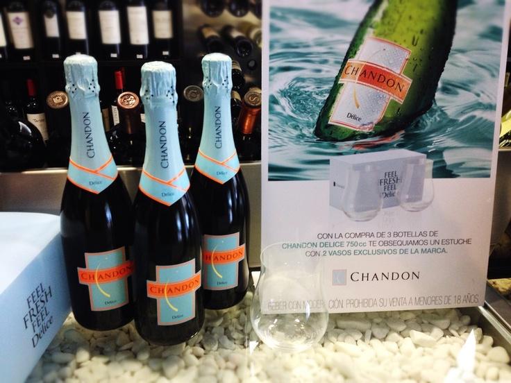 Con la compra de 3 botellas de Chandon Delice te obsequiamos un estuche con 2 vasos de cristal de la marca.