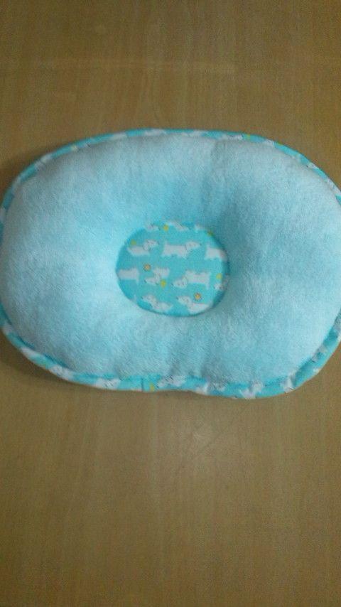 **作品をご覧いただきありがとうございます**肌触りのよいタオル生地と、可愛いプリント生地を使って、赤ちゃん用のドーナツ枕を作りました。こちらは、可愛い...|ハンドメイド、手作り、手仕事品の通販・販売・購入ならCreema。