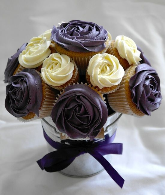 Bouquet de cupcakes,,very elegant!nice one.