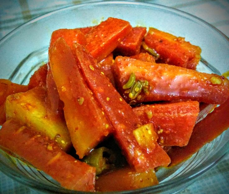 Quick indian pickle made by marinating juicy carrots in spices.