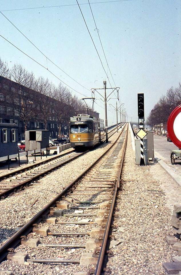 Schieweg tram viaduct geopend 25 Januari 1969 deze lijn is opgeheven op 10 december 2006 Tekst: Patrick de Leeuw