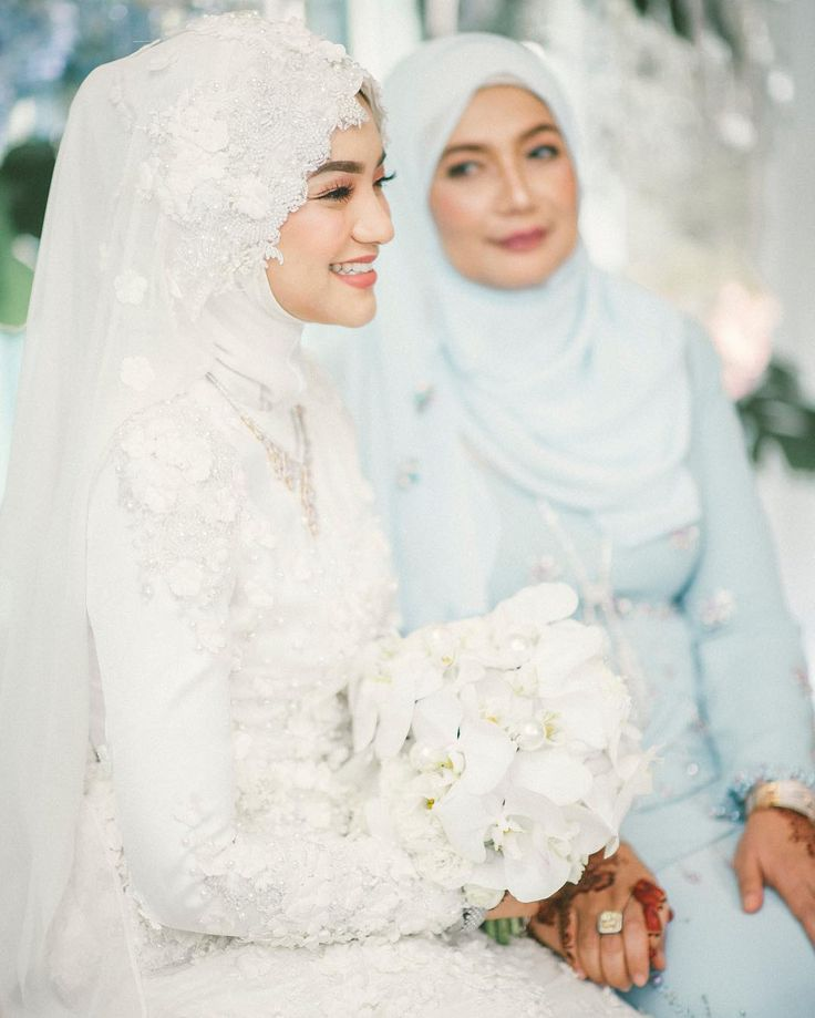 Akad Wedding Dress / White Modest Wedding Dress / Modest Kebaya / Kebaya Hijab / Malaysian Wedding  ☁ @terosha ☁   Cr: Haniff Hazim on Instagram (haniffhazim)