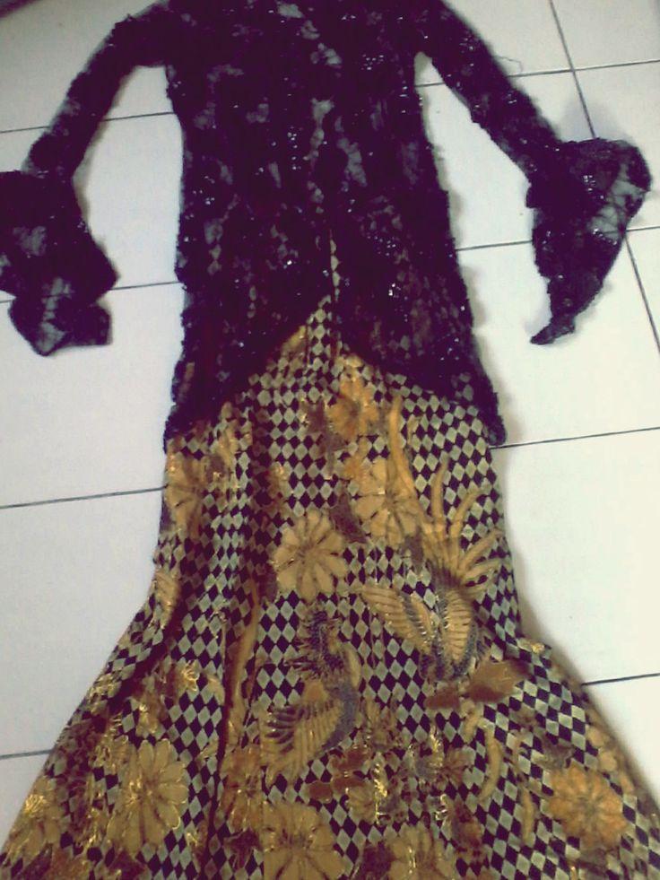 black n gold. it's pretty ♥