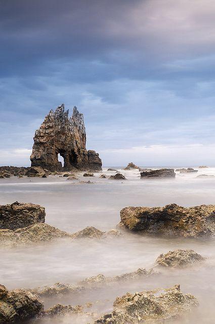 fantástica imagen de la Playa de Portizuelo, en Luarca (concejo de Valdés).