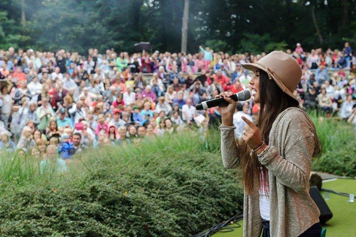 Inka Bause, Frank Schöbel, Keimzeit, Sarah & Pietro Lombardi und über 14.000 Besucher feierten zusammen das große HOWOGE-Tierparkfest 2016.