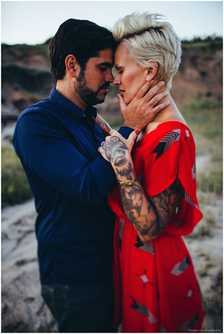 Alberta Badlands couple's session, foreheads touching