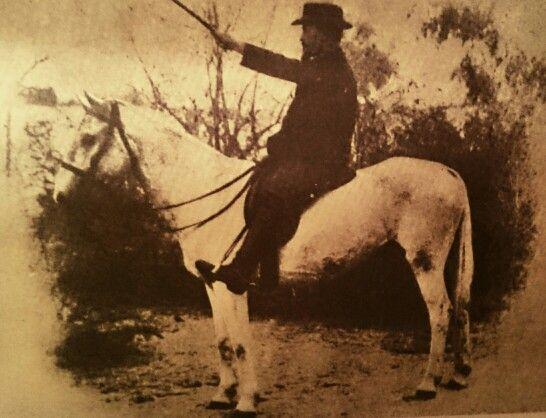 General Christiaan Rudolph de Wet and his horse, Fleur.