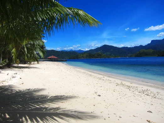 Sikuai Island - There is only one resort in Sikuai Island, known as New Sikuai Island Resort.  Sikuai has a total area o...