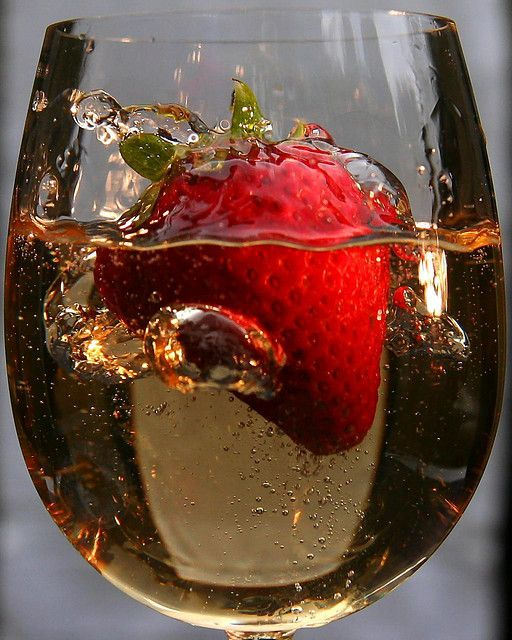 Strawberry Champagne!: Wine, Recipe, Red, Cheer, Food, Strawberries, Cocktail, Drinks