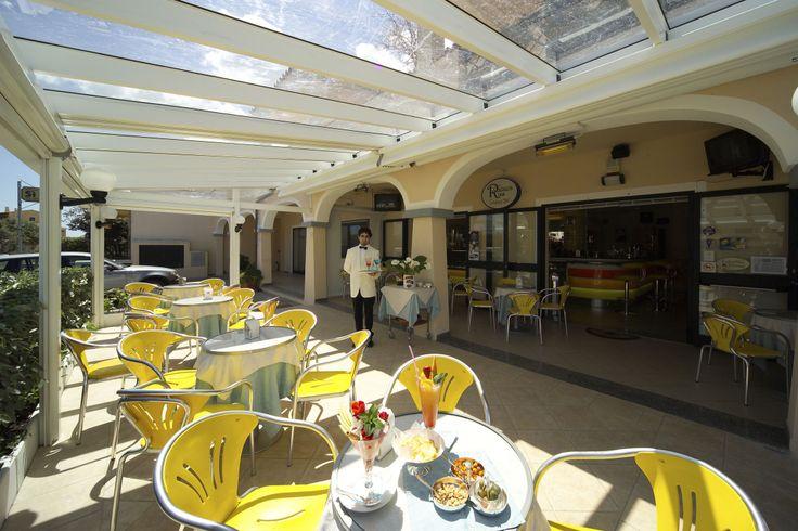 Veranda esterna della #gelateria #Riss di Porto San Paolo (OT)