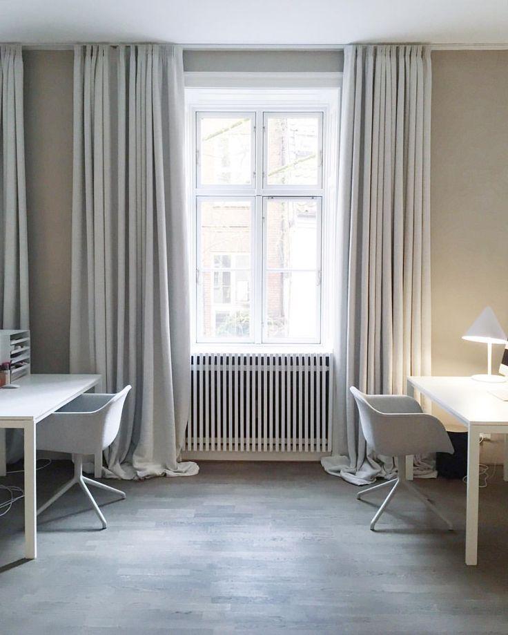 """Muuto - New Nordic på Instagram: """"Muuto's FIBER armchair swivel base looks stunning at the new @kinfolk / @ouur Cph office #scandinaviandesign #muutodesign #muuto #kinfolkgallery #kinfolkoffice #kinfolkcopenhagen #photo @nina_bruun #fiberarmchair #fiberchair #iskosberlin"""""""