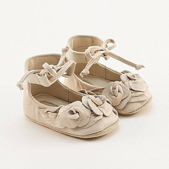 AMAZING beige leather baby shoes with roses for the littlest boho chic fashionista