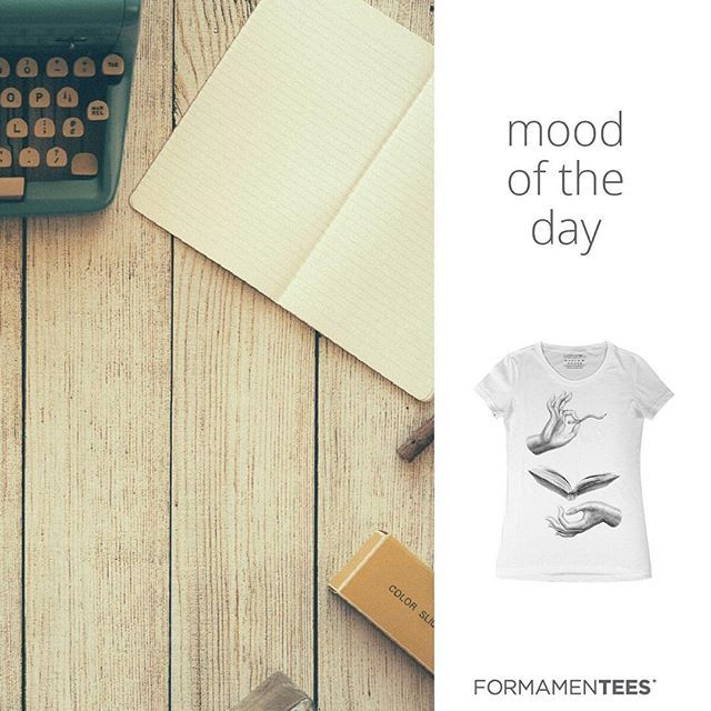 A perfect day for studying? Or not? #moodoftheday #goodmorning #studying #bestoftheday #books #vintage #wood #messingaround #tshirt #shopping