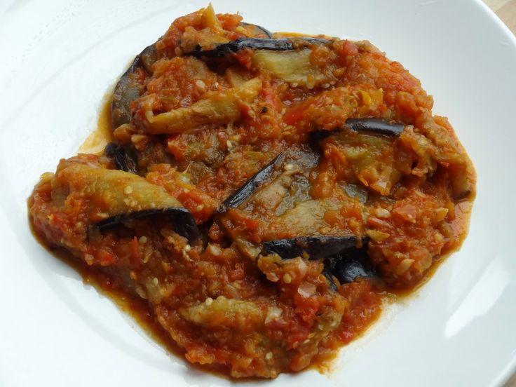 Wereld-Recepten: Gebakken aubergines in verse tomatensaus