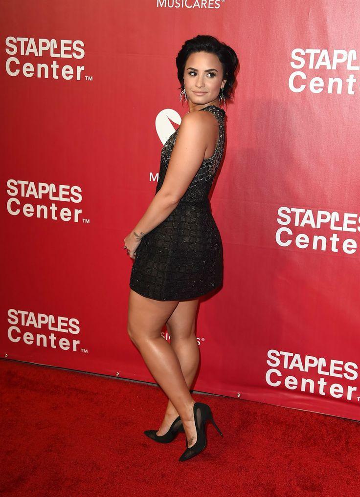 Demi Lovato de salto alto   Celebrities in high heels ...