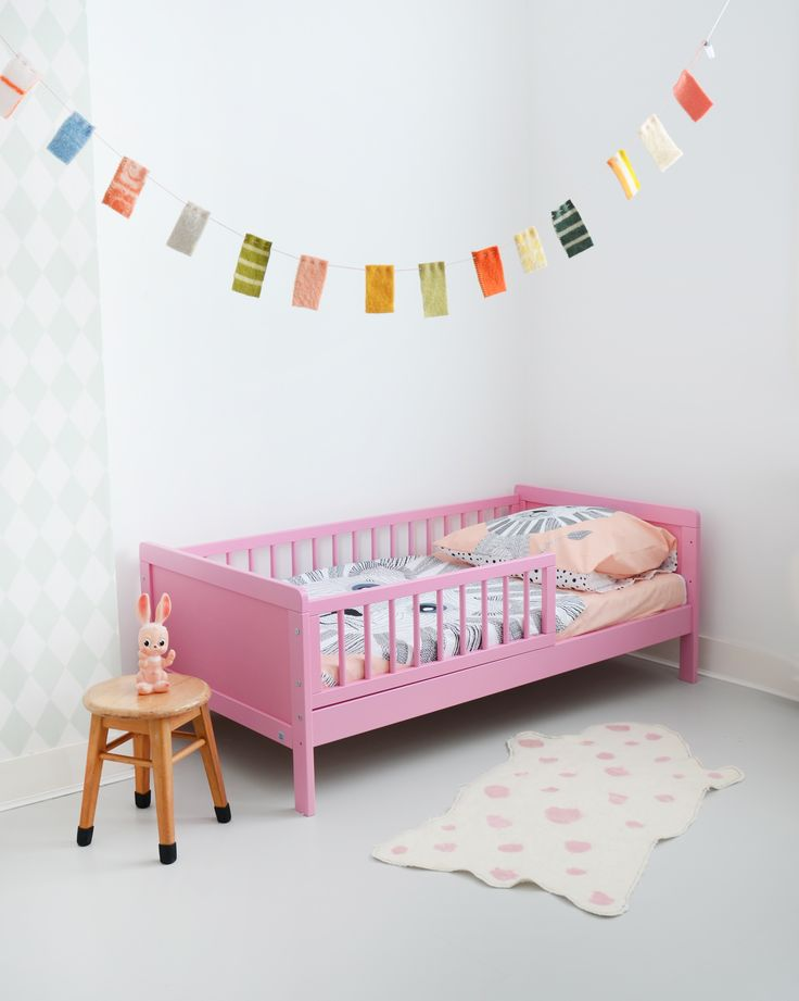 Peuterbed 'Rose' by Petite Amélie   Toddler bed 140x70cm    http://www.petiteamelie.nl/peuterbed
