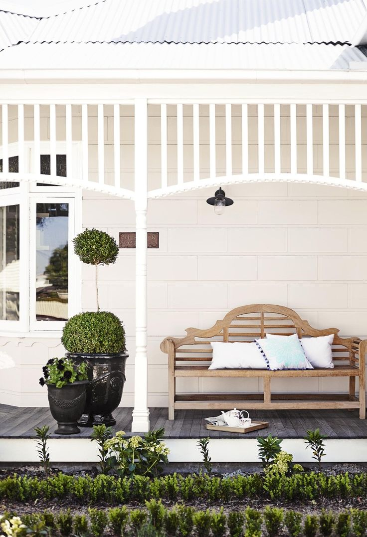 How to find the right white for your exterior. Best 25  Front porch chairs ideas on Pinterest   Front porch