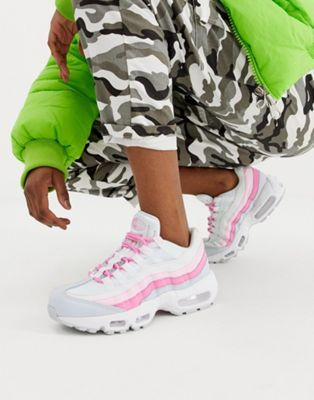 separation shoes 2d892 efca4 Nike White And Pink Air Max 95 trainers in 2019 | Shoes | White ...