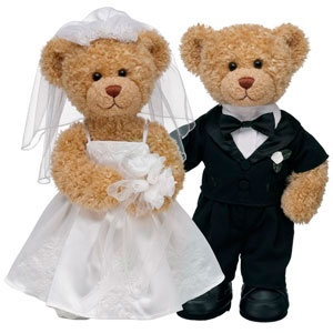 Teddy Bear Bride And Groom For The Flower Ring Bearer Such A Sweet Gift Idea So They Would Always Have Somethi Wedding Marriage Ideas