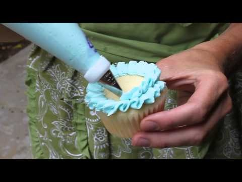 Easy Cupcake Frosting Technique