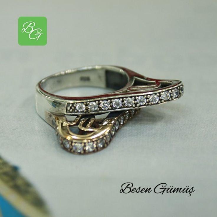 Özel Tasarım İkili Zirkon Taşlı Yüzük  Fiyat : 74.00 TL  SİPARİŞ için www.besengumus.com www.besensilver.com  İLETİŞİM için Whatsapp : 0 544 641 89 77 Mağaza     : 0 262 331 01 70  Maden         : 925 Ayar Gümüş&Bronz Taş               : Zirkon Kaplama      : Oksit  Besen Gümüş  #besen #gümüş #takı #aksesuar #özeltasarım #ikiliyüzük #kadınyüzük #izmit #kocaeli #istanbul #izmitçarşı #ankara #niğde #antalya #izmir #alışveriş