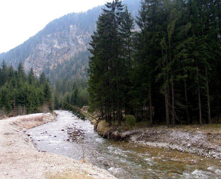 Kanutour auf der Loisach von Farchant bis Schönmühl #Erholung #Ausflug #Sehenswürdigkeiten #Spazieren #Wandern #Bad #Tölz #Kanu #Bayern