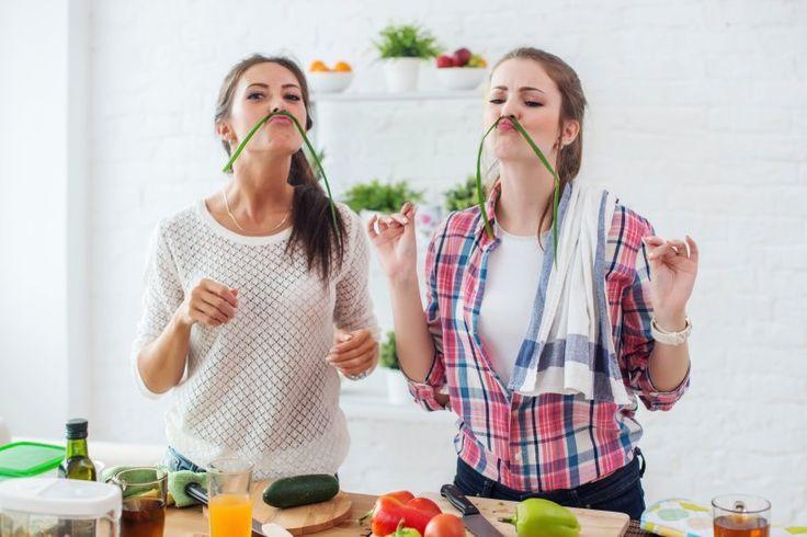 10 Tipps für veganes Kochen - Vegan kochen ist lecker, abwechslungsreich und gesund. Veganer dürfen sich über geringere Blutfettwerte, ein reduziertes Gewicht und ein besseres Hautbild freuen.