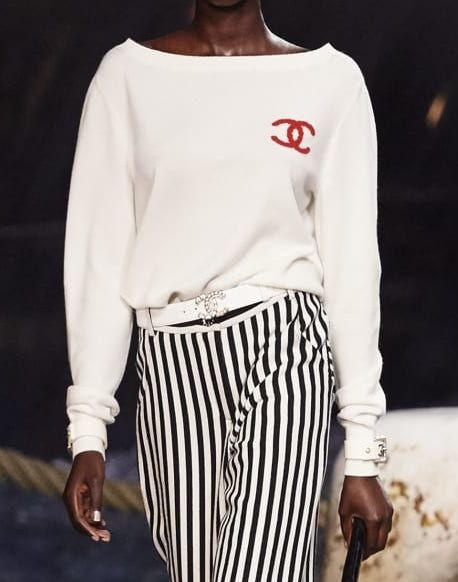 f3983f493f7453 Chanel - Cruise 2018/19 | White cashmere pullover ($2,300) | FOR YOU ...