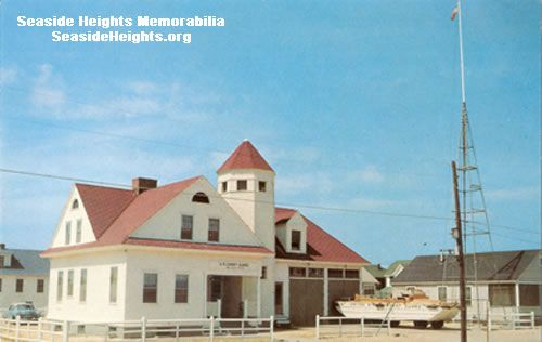 This is a Color Postcard of the US Coast Guard Station in Seaside Park NJ 1960s. LIKE–>http://www.facebook.com/seasideheightsorg WEB–>http://seasideheights.org/ Email this card to a friend!