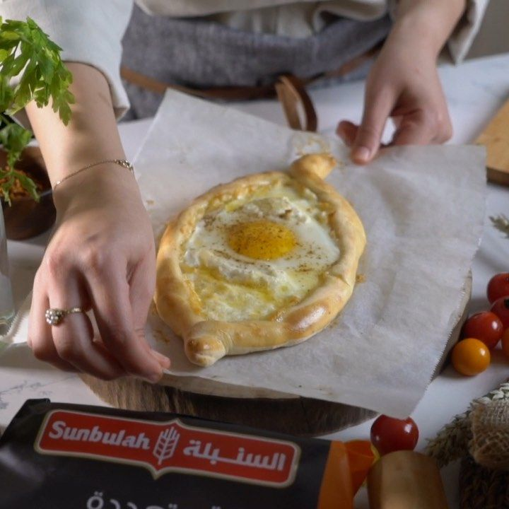 2 372 Likes 104 Comments Khulood Olaqi خلود عولقي Khuloodolaqi On Instagram خاتشبوري Khatchapuri English وصفة In 2021 Food Camembert Cheese Cheese